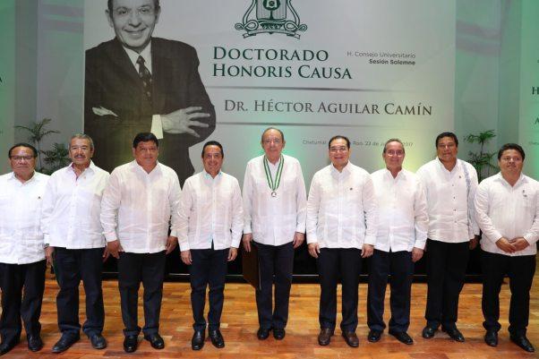 Carlos-Joaquin-Honoris-Causa2