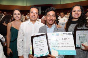 Carlos-Joaquin-premio-juventud3