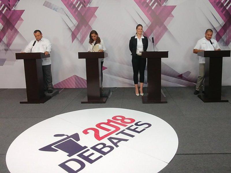CRUZAN CANDIDATOS ACUSACIONES POR CORRUPCIÓN: Ataques contra Mara Lezama marcan el debate de los aspirantes a la Alcaldía de Benito Juárez