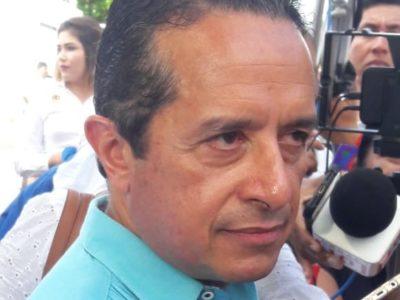 """RECHAZA CARLOS JOAQUÍN CONTINUAR POLÉMICA POR CAPELLA: """"El Gobernador de Morelos tiene sus ideas y yo hago mi trabajo"""", dice"""