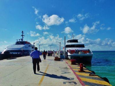 COBRARÁN 16 PESOS A TURISTAS POR CRUCE PLAYA-COZUMEL: Confirma Alcalde iniciativa para establecer un derecho para visitantes que usen el ferry