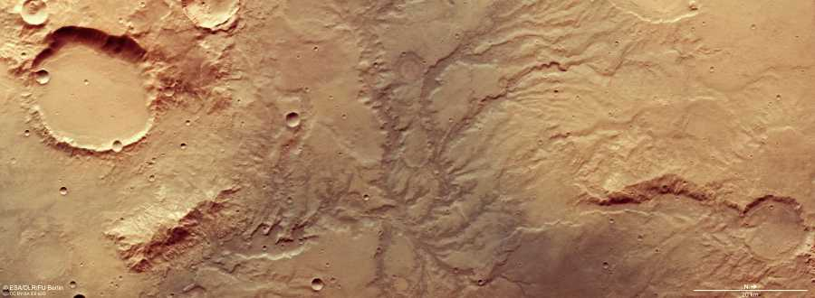 Red de valles fluviales secos en Marte