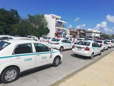 SE CONFRONTAN TAXISTA Y MOTOTAXISTAS EN PLAYA: Bloquean avenidas en la zona poniente de la ciudad y estalla la violencia
