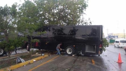 autobus accidentado en Playa (2)