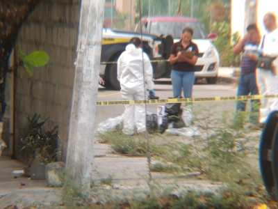 AMANECE CANCÚN CON UN EMBOLSADO EN LA REGIÓN 96: Hallan cuerpo de una persona por edificios del fraccionamiento Infonavit