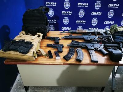 SE ESCAPAN LOS DELINCUENTES: Decomisan armas largas y equipo táctico durante un operativo por un secuestro en la Ribera del Río Hondo, pero no hay detenidos
