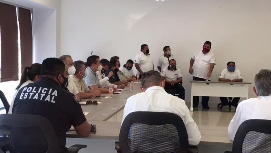 Crean alianza taxistas y autoridades, ante temor de ser víctimas de violencia en Cancún
