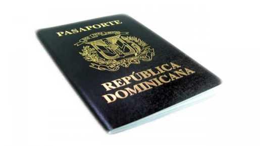 Dominicanos NY demandan presidente Medina revocar aumento pasaportes