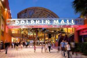 Reportan un tiroteo en el Dolphin Mall de Miami