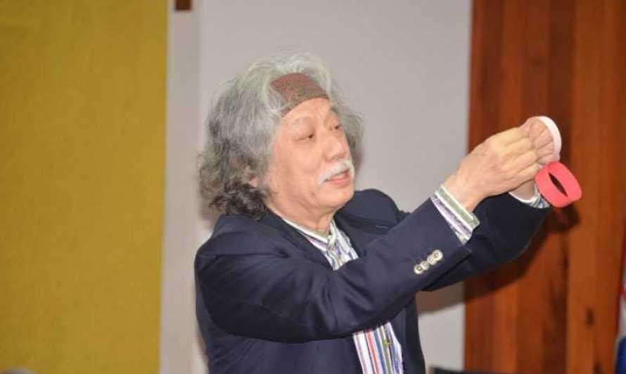 Matemático japonés dicta conferencia en la PUCMM