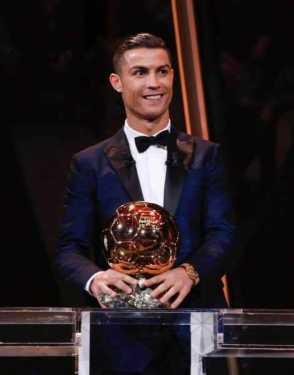 Cristiano Ronaldo iguala a Messi con su quinto Balón de Oro