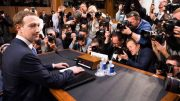 Zuckerberg asume responsabilidad lapsos de seguridad en Facebook