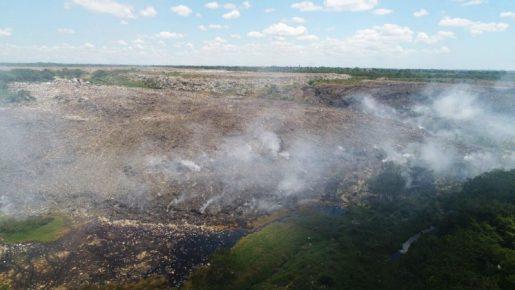 Fuego afectaba vertedero Duquesa fue extinguido
