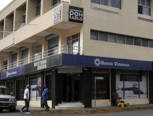 Roban 11 millones asalto Banco Vimenca Santiago