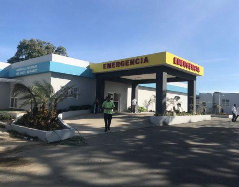 Huelga de médicos sigue en hospitales Valverde