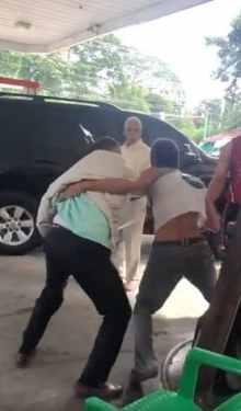 Gobernador Duarte justifica  persiguiera con un hacha a un hombre