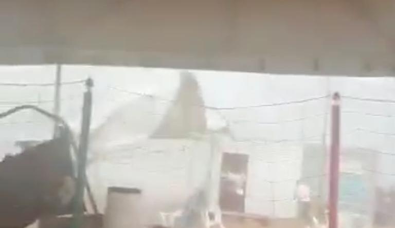 Tempestade assusta banhistas na Praia do Funil em Miracema neste domingo (26)