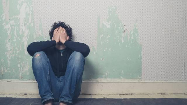 Si usted está sufriendo depresión, es importante buscar ayuda
