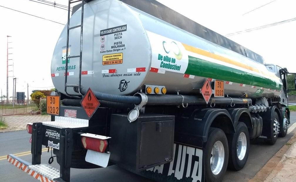 Circulação de caminhões-tanque será liberada durante todo dia