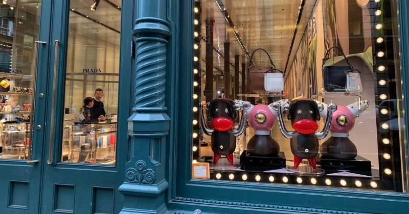 Prada retira produtos blackface das lojas após acusação de racismo ... 4360116fd2