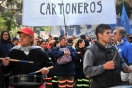 Photo of CARTONEROS DENUNCIAN EL ABANDONO DEL SISTEMA DE RECICLADO POR PARTE DEL GOBIERNO DE LA CIUDAD