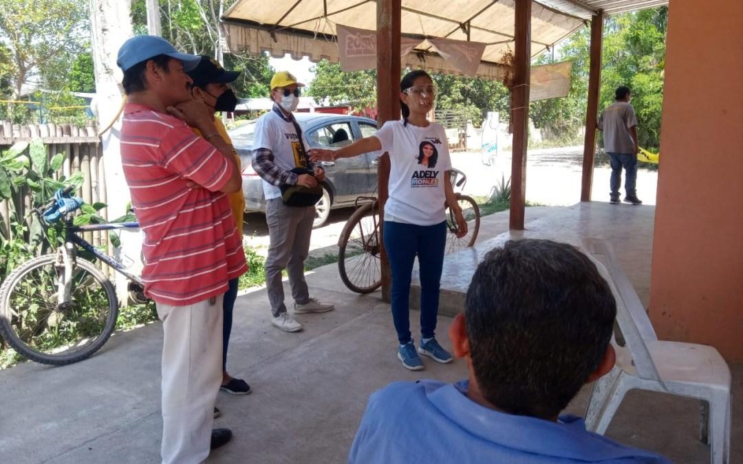 """""""Con trabajo y sencillez"""" es parte del audio de campaña de Adely Morales"""