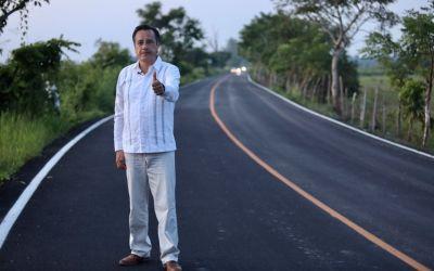 Conectar las zonas rurales con infraestructura carretera para no dejar a nadie atrás: Gobernador