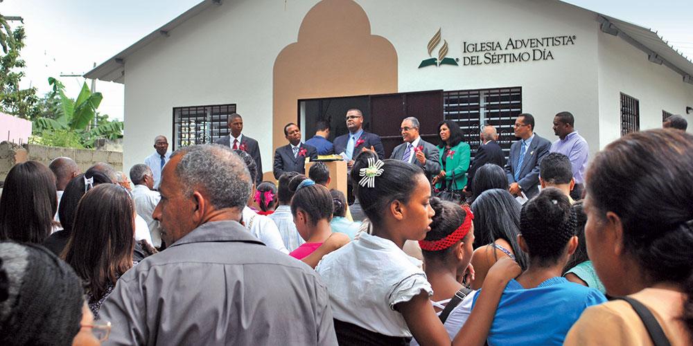 Esta iglesia de Santo Domingo, República Dominicana, es uno de cientos de nuevos edificios inaugurados en los últimos cinco años. Unión Dominicana.