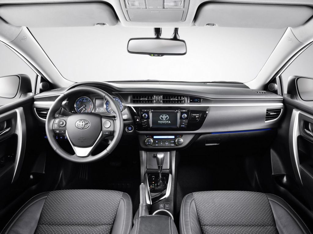 Toyota Corolla 2014 As Luce El Futuro Sedn Japons