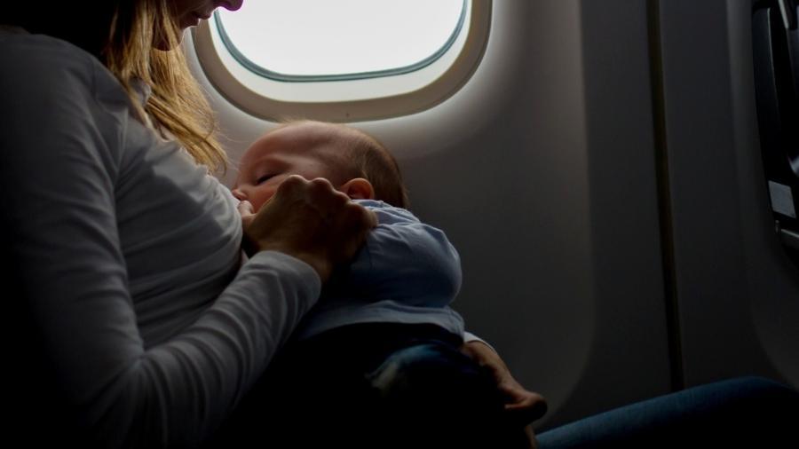 Sancionada lei que garante às mães o direito de amamentar durante concurso