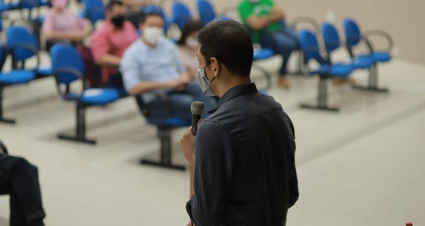 Secretário da Sedeci fala em reunião realizada em 05/02