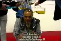 Vídeo: Pastor profetiza benção do X-Nilo e é ungido com 12 litros de óleo