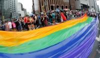 """Parada gay reuniu 220 mil pessoas, diz Datafolha; Pastor Silas Malafaia ironiza: """"Sobrevivem de mentira e jornalismo tendencioso"""""""