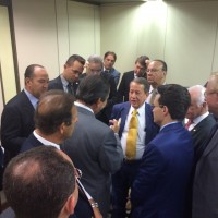 Reunião de pastores e políticos que selou a aprovação da ampliação da isenção fiscal