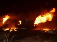 Foto do incêndio causado pela explosão das carretas