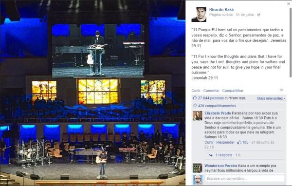 Kaká lê a Bíblia durante visita à PIB em Orlando, Flórida