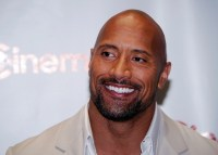 "Ator Dwayne Johnson, o ""The Rock"", revela que a fé o ajudou a superar a depressão"