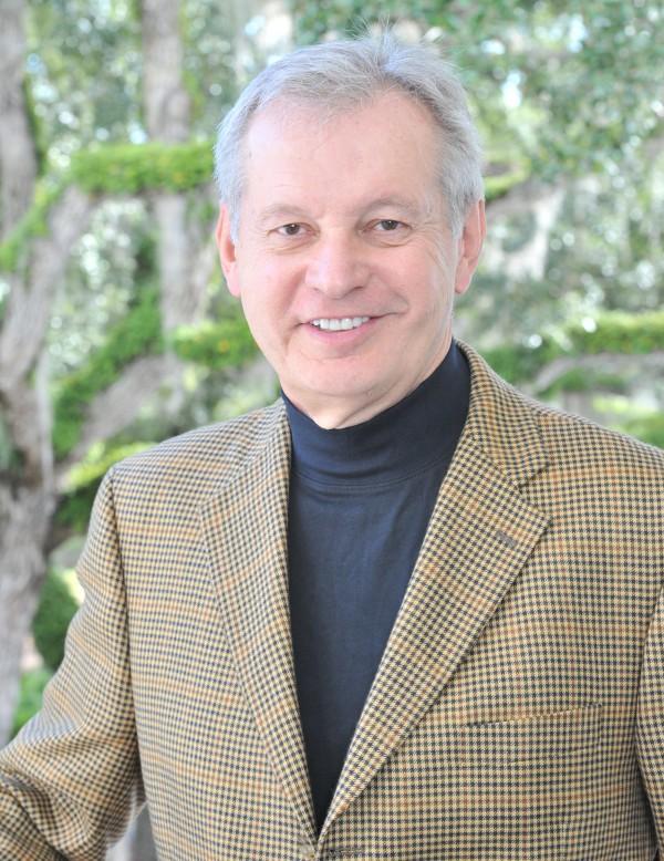 O cientista e escritor cristão Douglas Ell