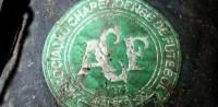 Símbolo da Chapecoense em acessório usado por jogadores que estavam no voo