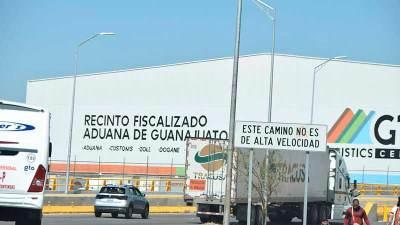 Tener personal nuevo en aduanas afectaría a exportadores: COMCE