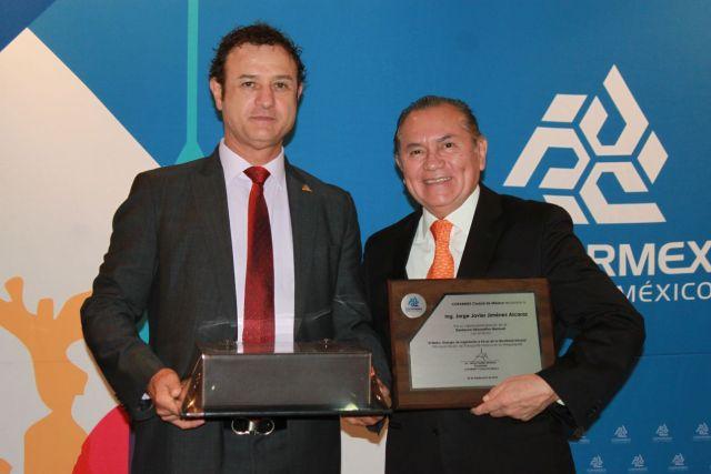 Jesús Padilla Zenteno, presidente de COPARMEX CDMX y el director del Sistema de Transporte Colectivo Metro, Jorge Javier Jiménez Alcaraz.