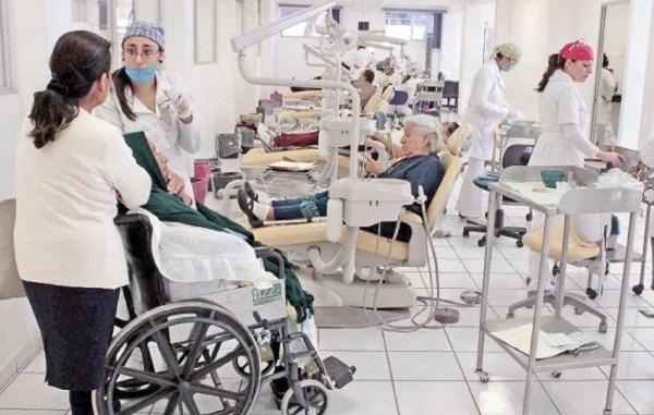 Por falta de seguridad ante COVID-19, internos de IPN y UNAM son separados de unidades médicas 1