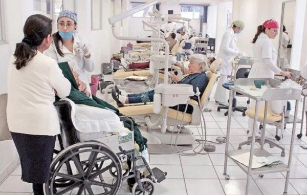 Por falta de seguridad ante COVID-19, internos de IPN y UNAM son separados de unidades médicas 4