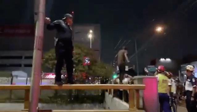 Valiente policía frustra intento de suicidio en Circuito Interior 1