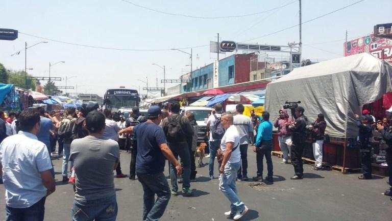 Comerciantes de Tepito bloquean Eje 1 Norte 1