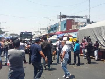 Comerciantes de Tepito bloquean Eje 1 Norte 2