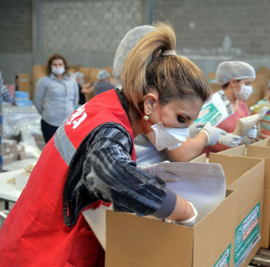 Inicia Claudia Pavlovich entrega de apoyo en Sonora  con Paquetes de Seguridad Alimentaria 4