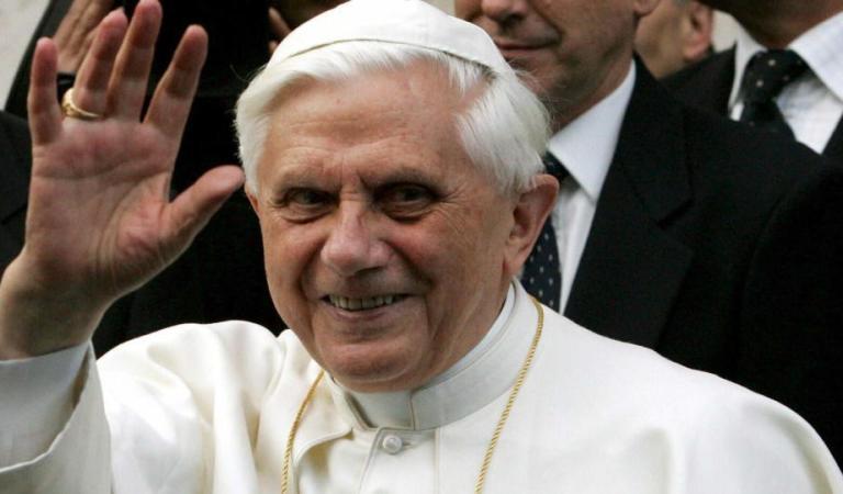 Reportan «extremadamente frágil» la salud del Papa emérito Benedicto XVI
