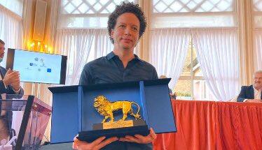 Director mexicano Michel Franco, recibió el Leoncino de Oro por su película «Nuevo Orden»