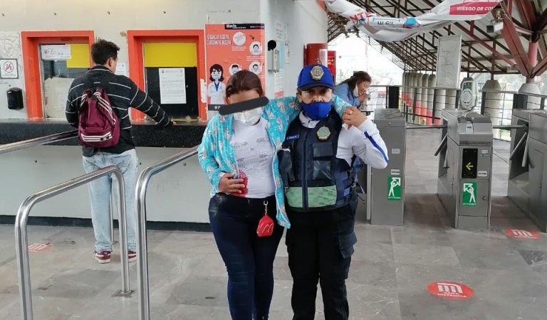 Apuñalan a mujer en la estación Villa de Aragón de  Línea B del Metro